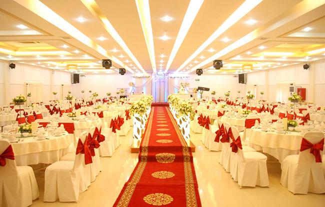 Thi công âm thanh ánh sáng cho nhạc hàng tiệc cưới
